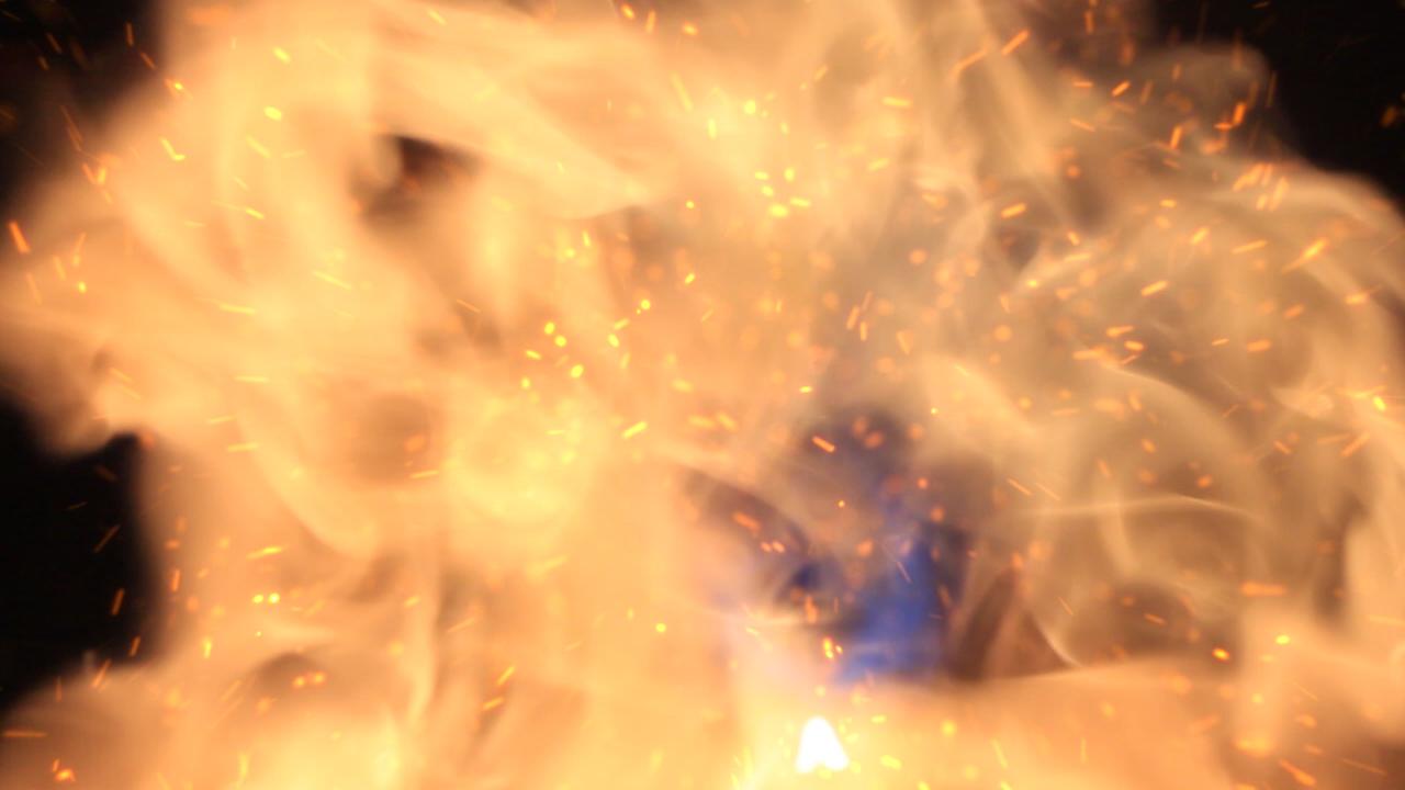 fireball_close_25fps_01